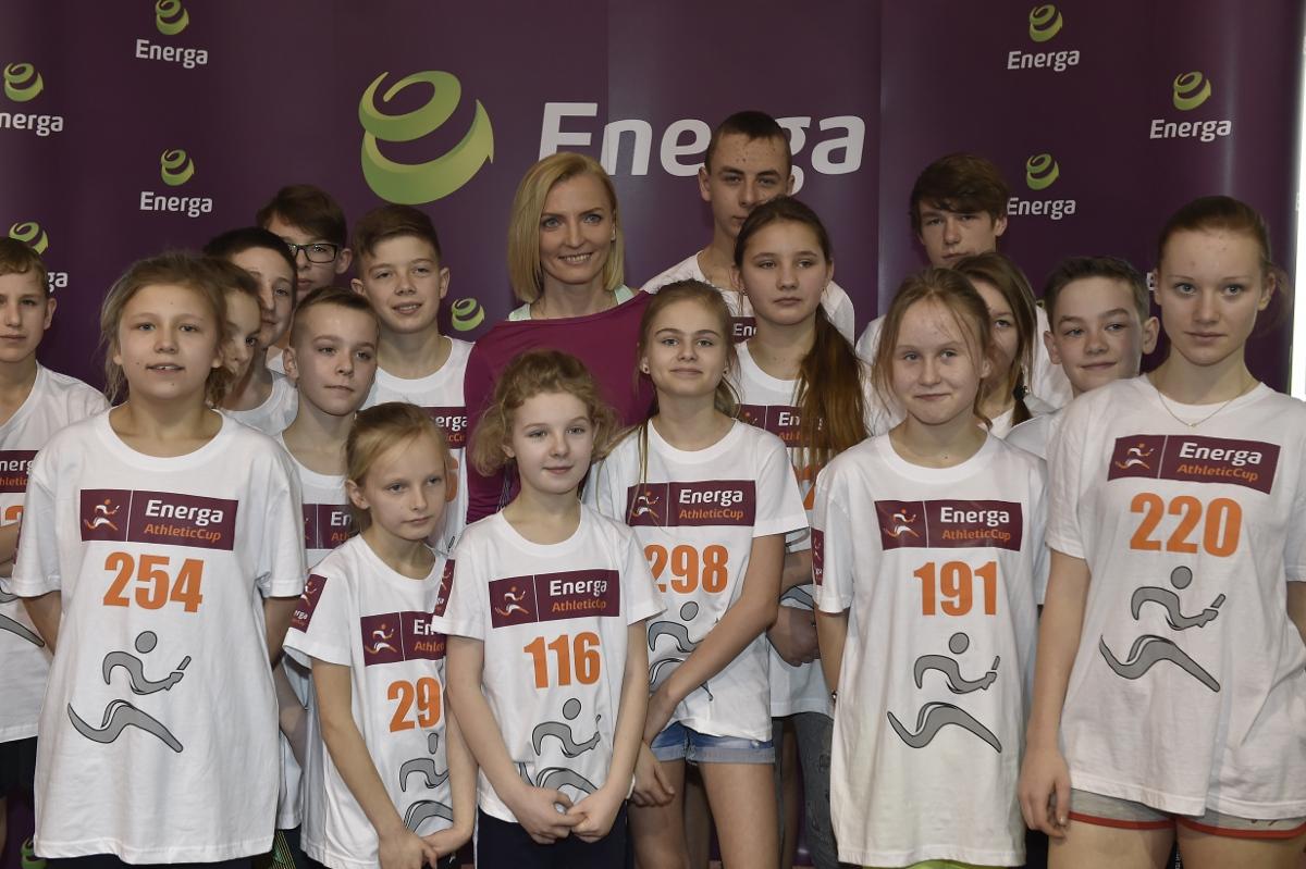 Anna Rogowska z uczestnikami Energa Athletic Cup