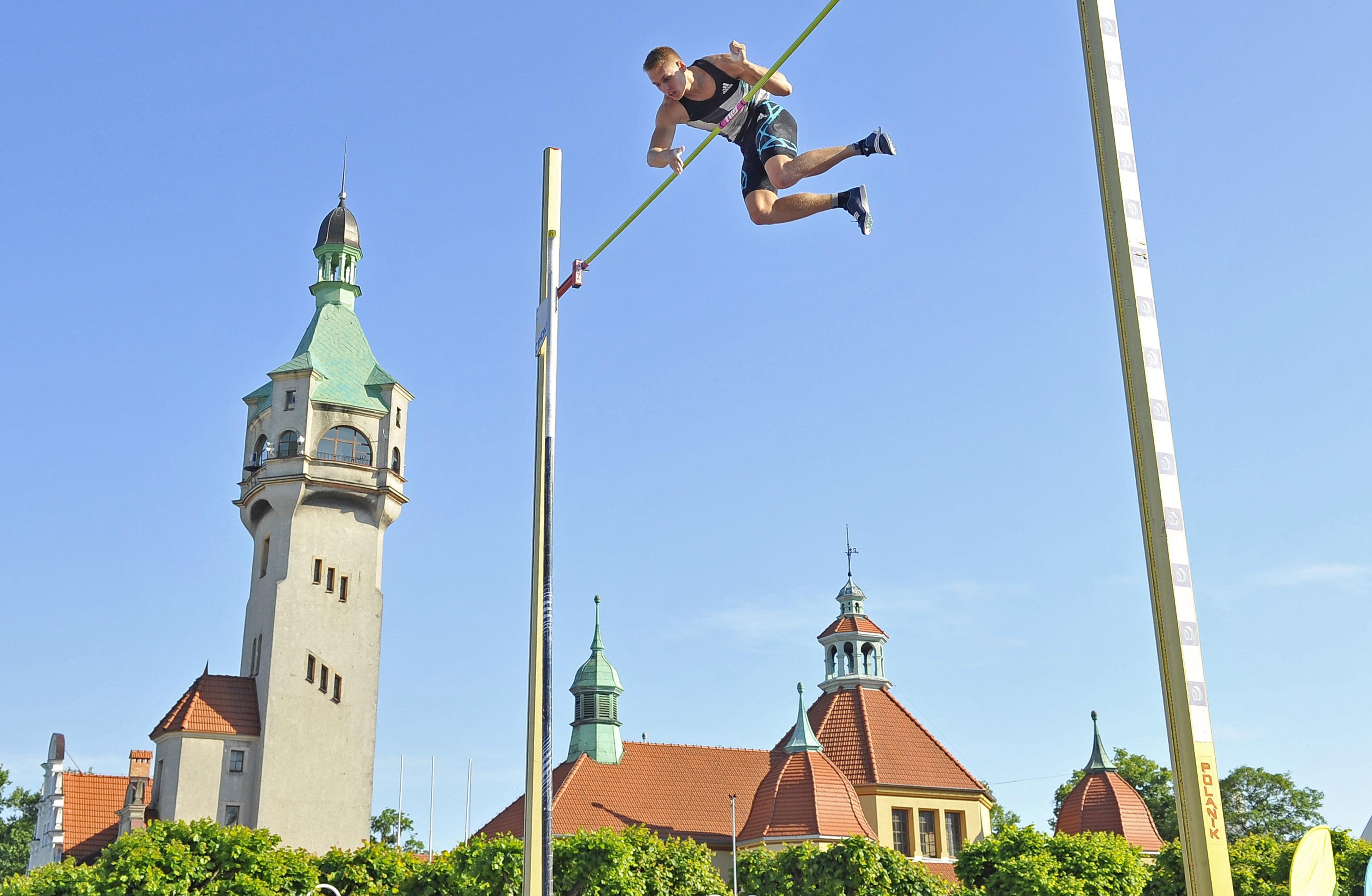 03.06.2016 Sopot. Plac Zdrojowy k. Molo. XXIX Konkurs Tyczka na Molo. N/z Robert Sobera. Fot. Jurek Bartkowski/Fotobank.PL/UMS